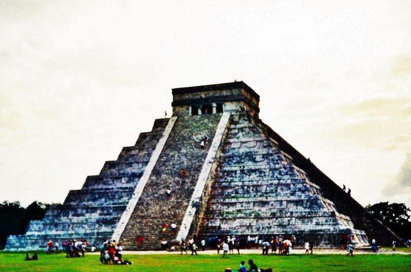 Pirámide de Kukulkán (Estado de Yucatán, México)