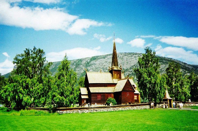 Iglesia de Lom (Lom, Noruega)