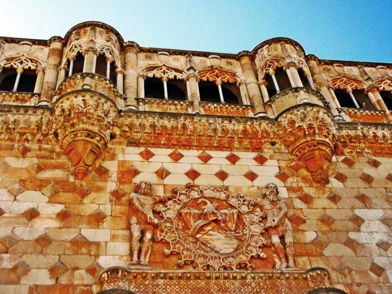 12 ejemplos de gótico civil que valen por mil