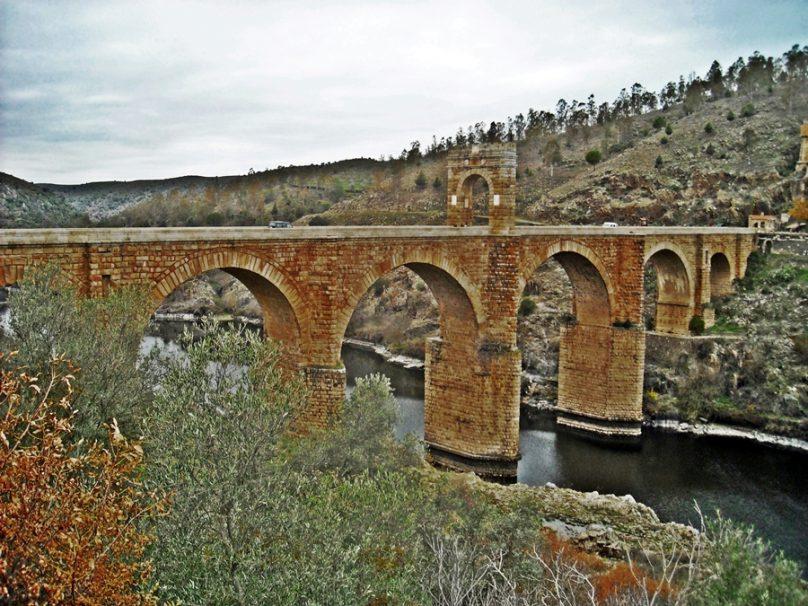 <em>El Puente de la Espada</em>