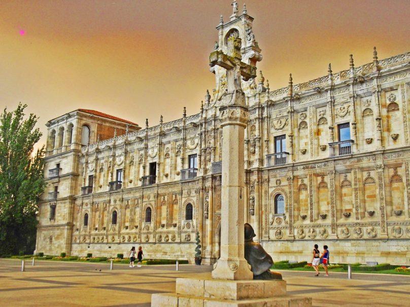 10 edificaciones expropiadas a manos de Mendizábal