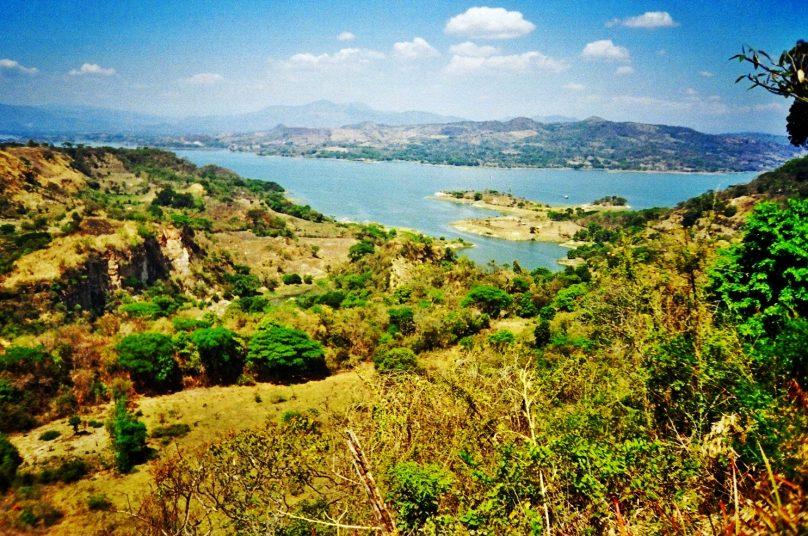 Lago de Suchitlán (El Salvador)