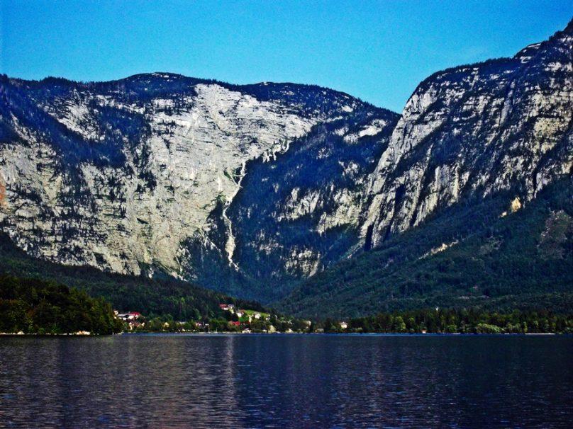 Lago de Hallstatt (Alta Austria, Austria)