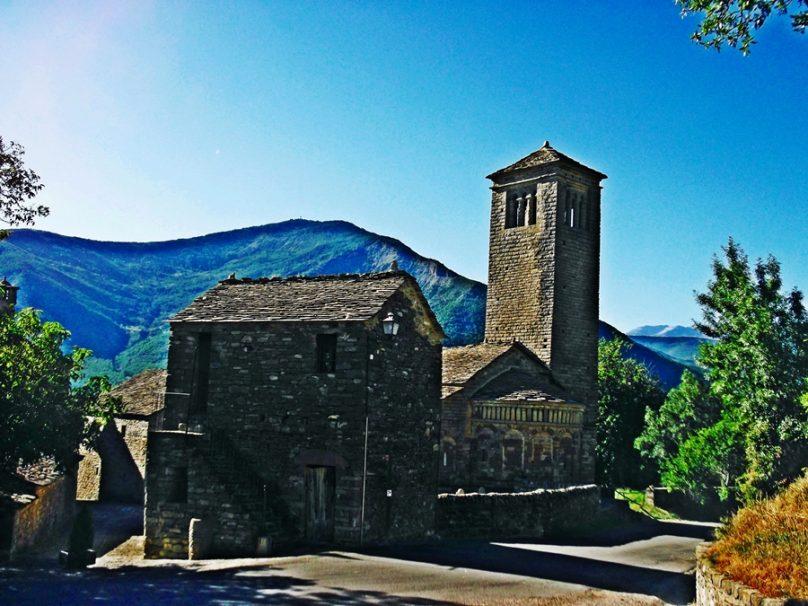 Iglesia de San Pedro de Lárrede (Sabiñánigo, Aragón)
