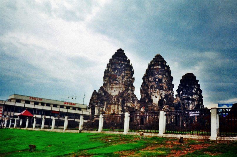 Phra Prang Sam Yot (Lopburi, Tailandia)