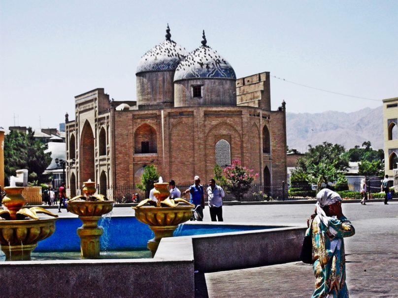 Plaza de Registán (Khujand, Tayikistán)