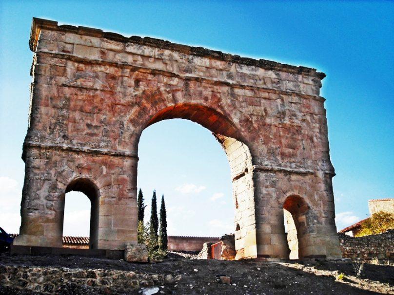 Arco de Medinaceli (Medinaceli, Castilla y León)