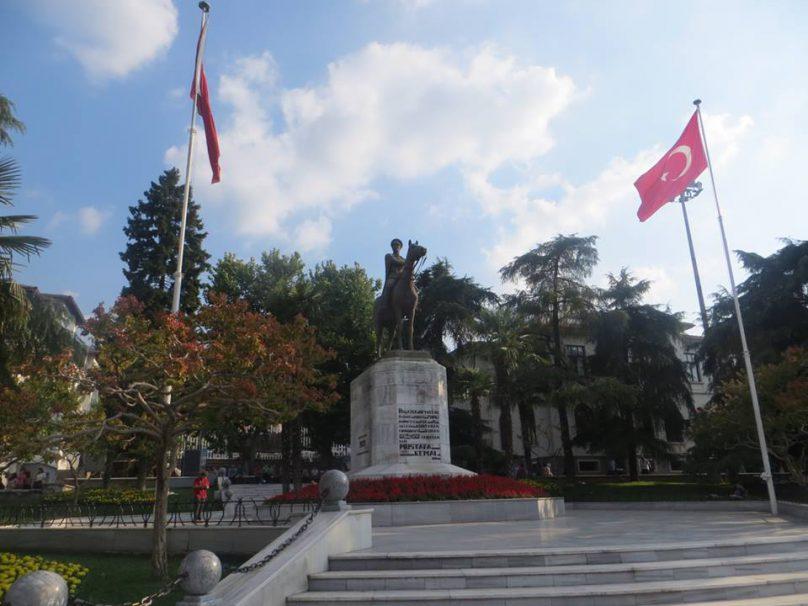 Bursa (por Jorge Sánchez)
