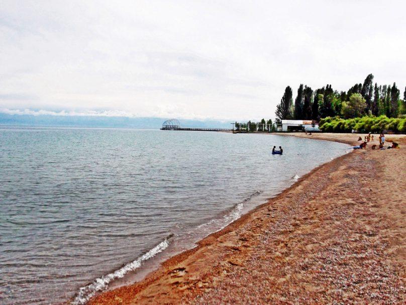 Lago Issyk-Kul (Región de Issyk-Kul, Kirguistán)
