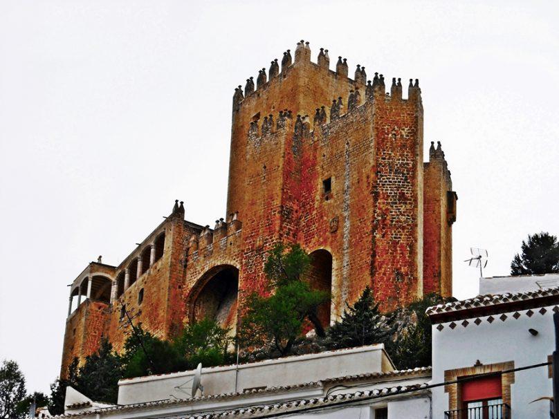 13 castillos dominantes en Levante