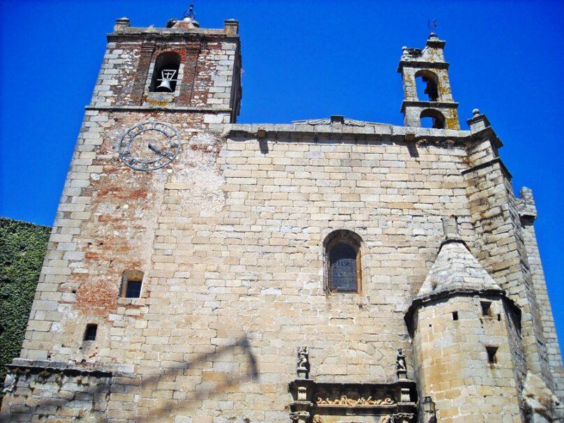 IglesiaSanMateoCaceres_01