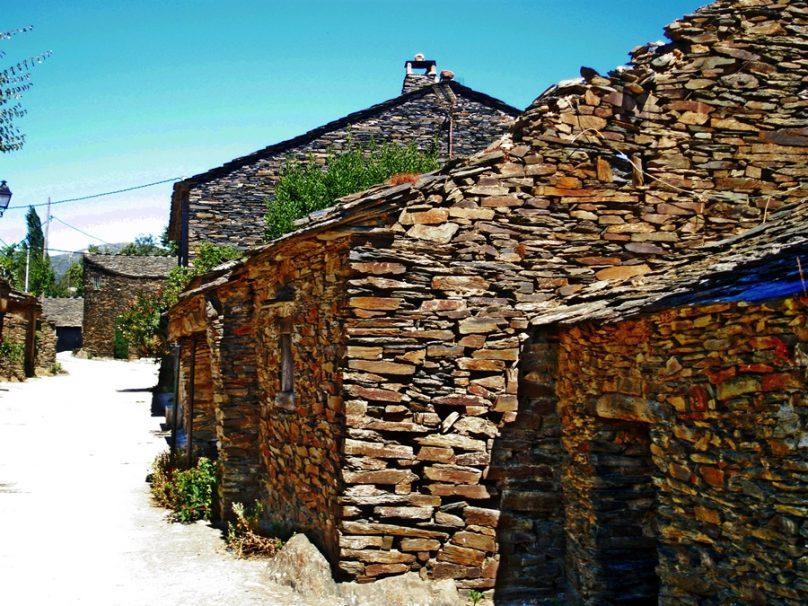 Robleluengo (Municipio de Campillo de Ranas, Castilla-La Mancha)