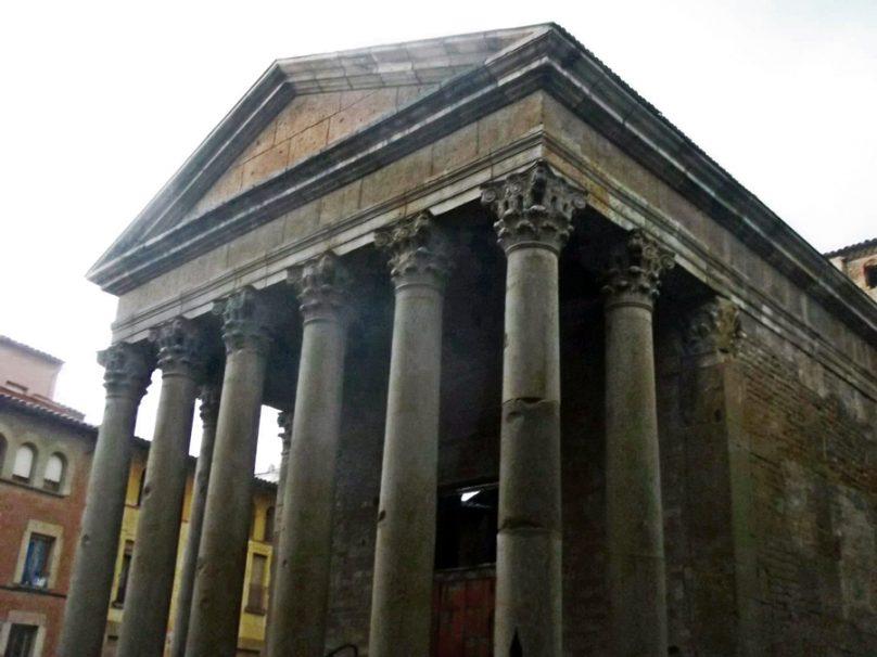 Templo romano (Vic, Cataluña)