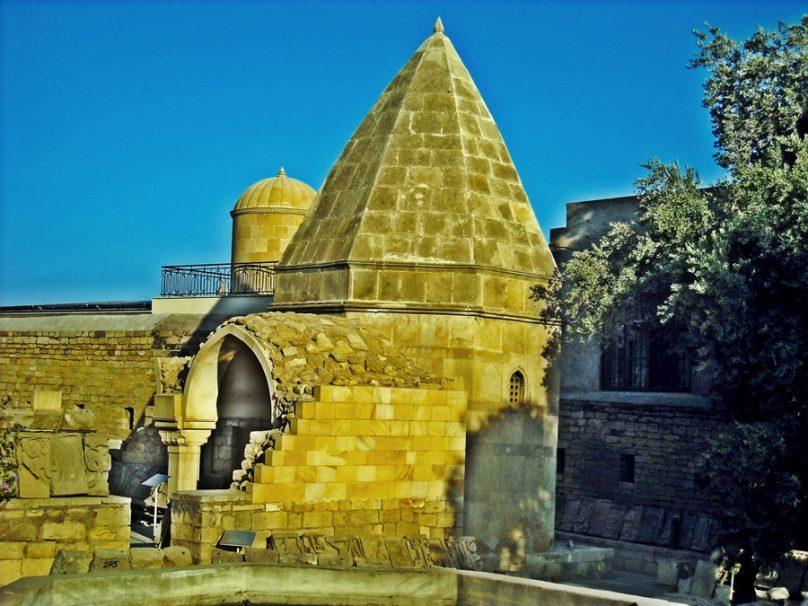 Mausoleo de Seyid Yəhya Bakuvi (Bakú, Azerbaiyán)