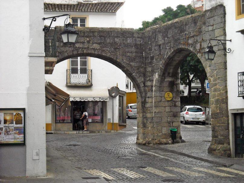 Acueducto de Água de Prata (Distrito de Évora, Portugal)