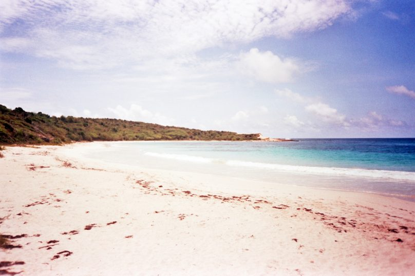 Half Moon Bay (Parroquia de Saint Philip, Antigua y Barbuda)